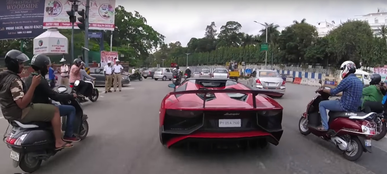Supercars Imports In India Lamborghini Aventador Sv Roadster In India Thread Motoroids