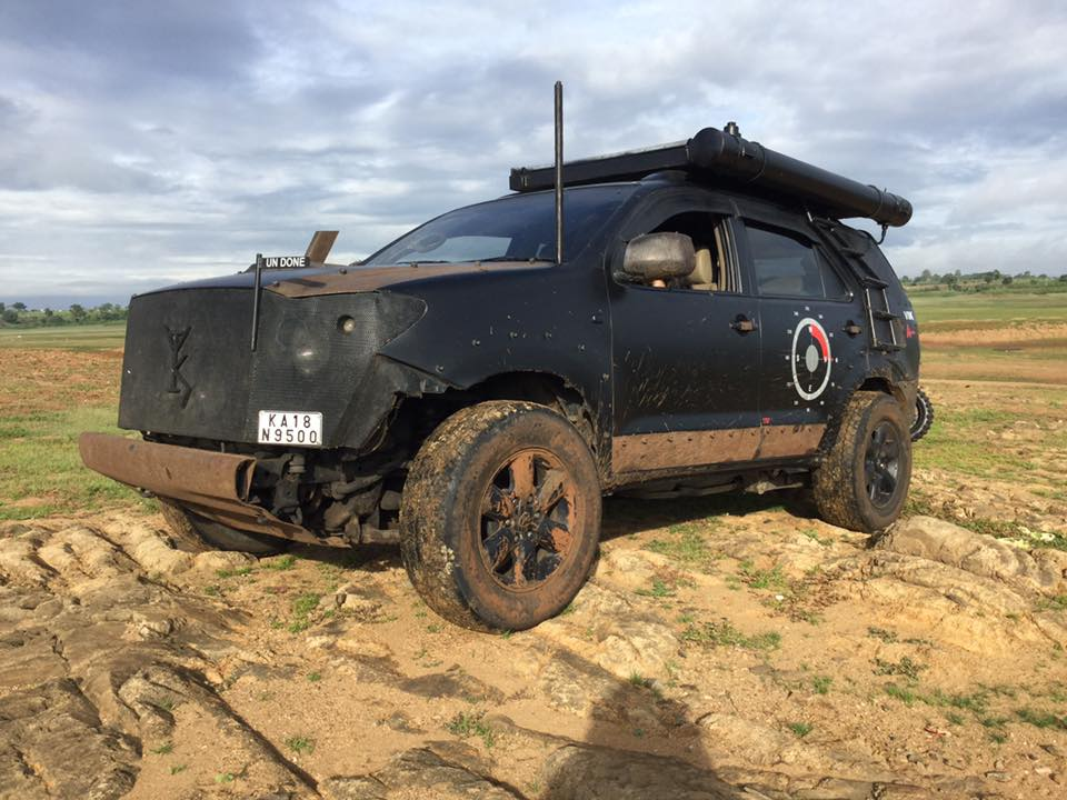Modified Toyota Fortuner Off-Roader (5)