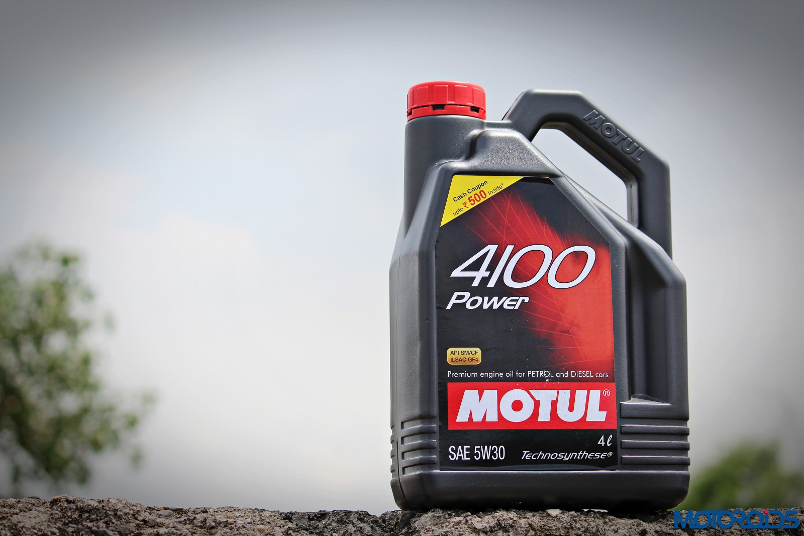 Motul all about lubes engine oil basics difference for What is the difference between synthetic and conventional motor oil