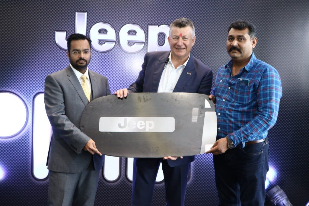 mr-kevin-flynn-president-and-managing-director-fca-india-inaugurated-indias-first-jeep-destination-store-in-ahmedabad