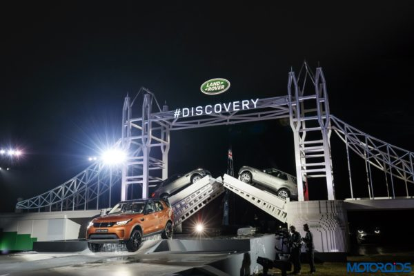 New-Land-Rover-Discovery-Launch-LEGO-Structure-22-600x400