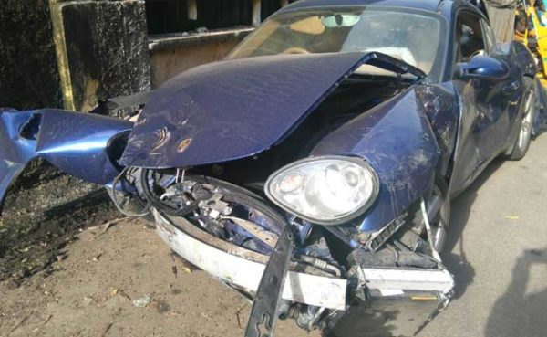 Porsche-Cayman-accident-Chennai-1-600x369