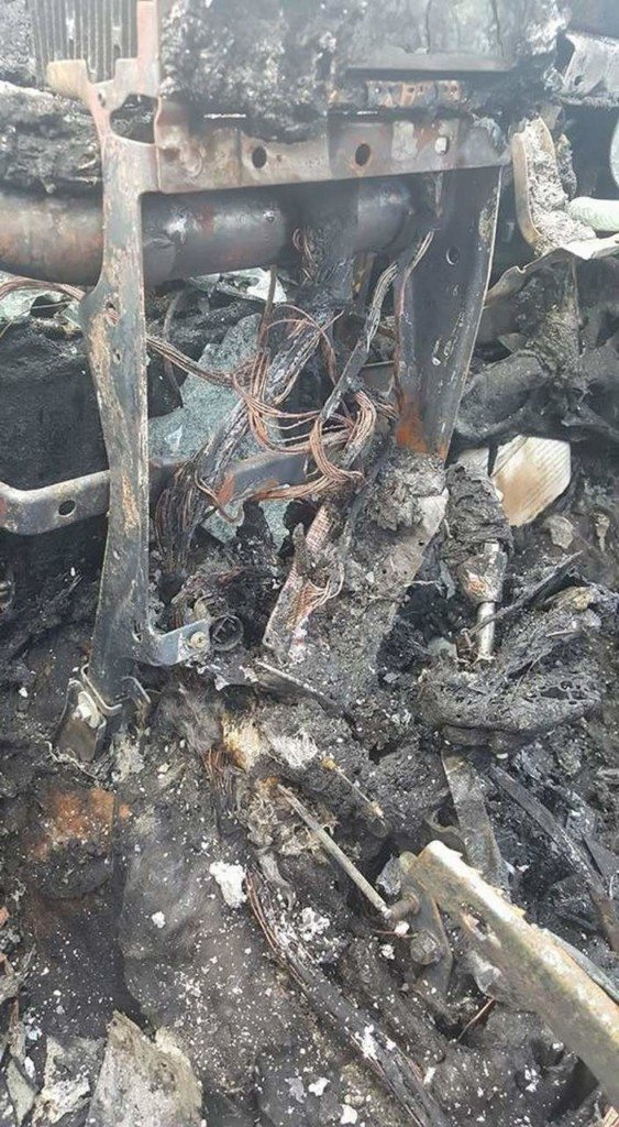 recalled-samsung-galaxy-note-7-explodes-burns-owners-jeep-2