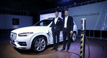 tom-von-bonsdorff-md-volvo-auto-india-l-with-stephan-green-director-sales-marketing-and-pr-volvo-car