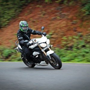 2014 Triumph Speed Triple Review: Serendipity