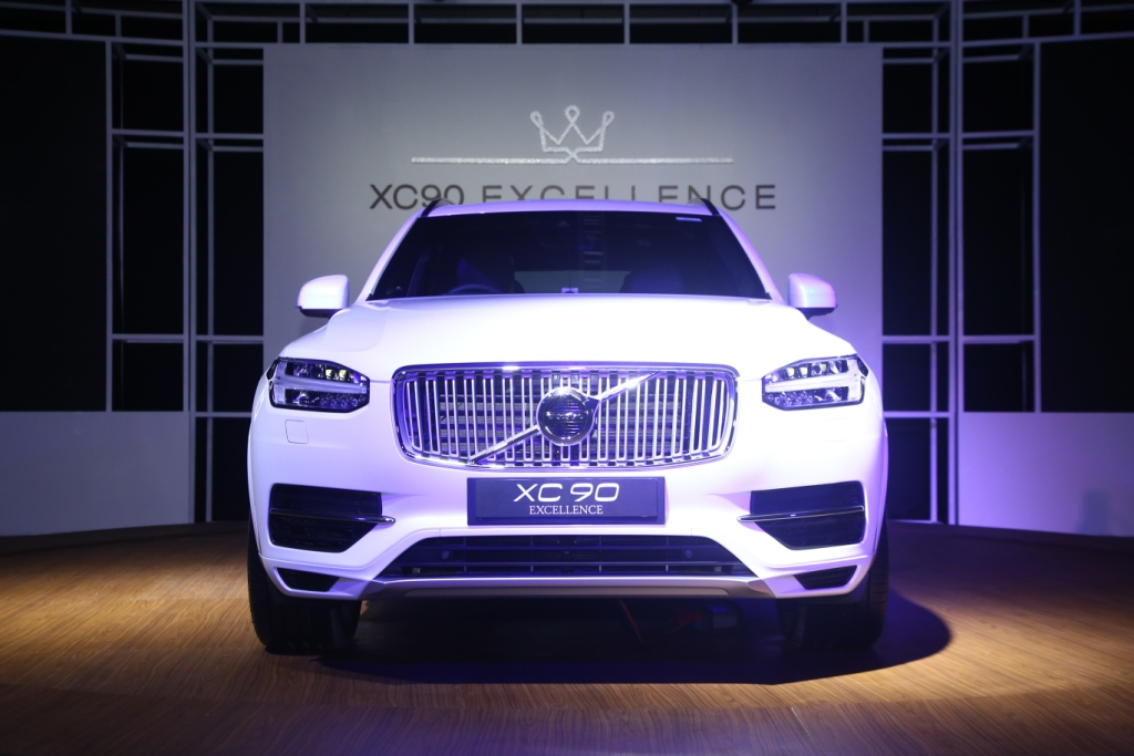 Volvo Auto India Has Launched The First Plug In Hybrid Suv Country Xc90 T8 Excellence This Latest Model Believed To Be Most Luxurious Ever