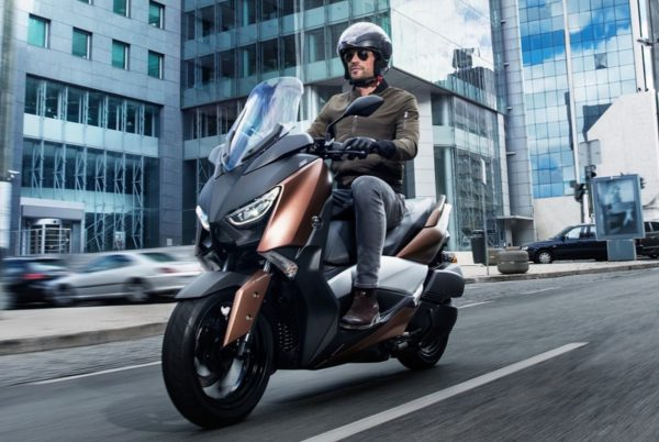 2017-Yamaha-XMax-300-2-600x402