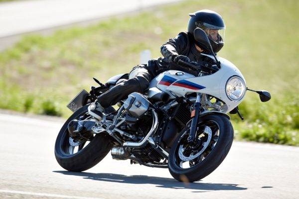 BMW-R-nineT-Racer-4-600x400