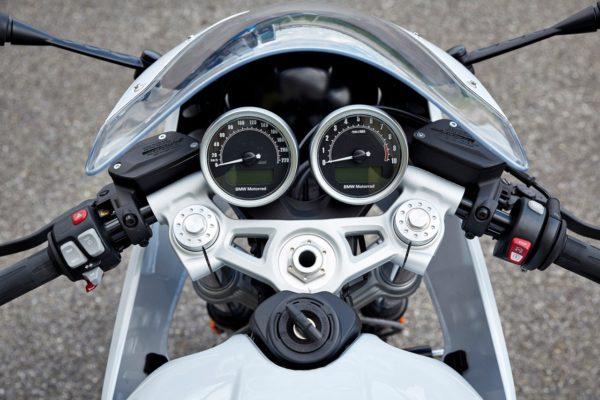 BMW-R-nineT-Racer-6-600x400