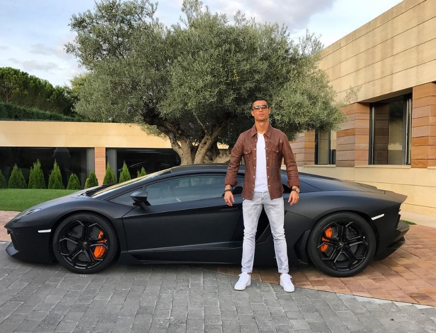 Cristiano Ronaldo Picks Up A Brand New Matte Black