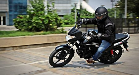 hero-motocorp-achiever-150-action-shots-15