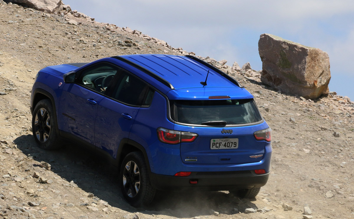 See the India bound Jeep Compass go off-road in 30+ images | Motoroids
