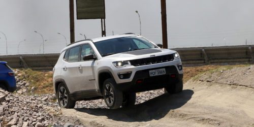 Jeep Compass 2 500x250 See the India bound Jeep Compass go off road in 30+ images