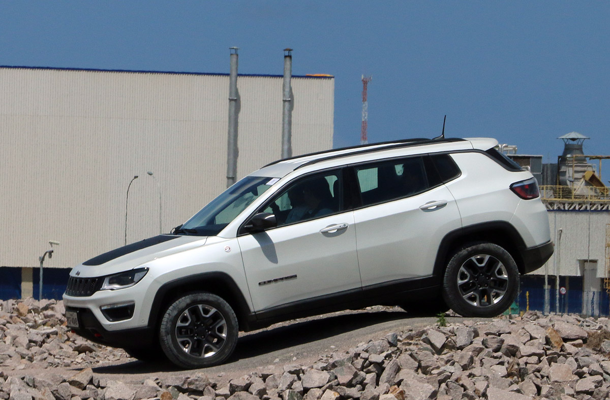 See the India bound Jeep Compass go off-road in 30+ images ...