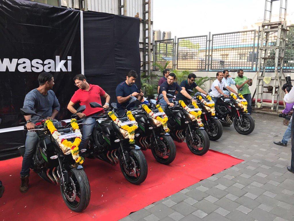 kawasaki-delivers-bikes-after-snk-palm-beach-dealer