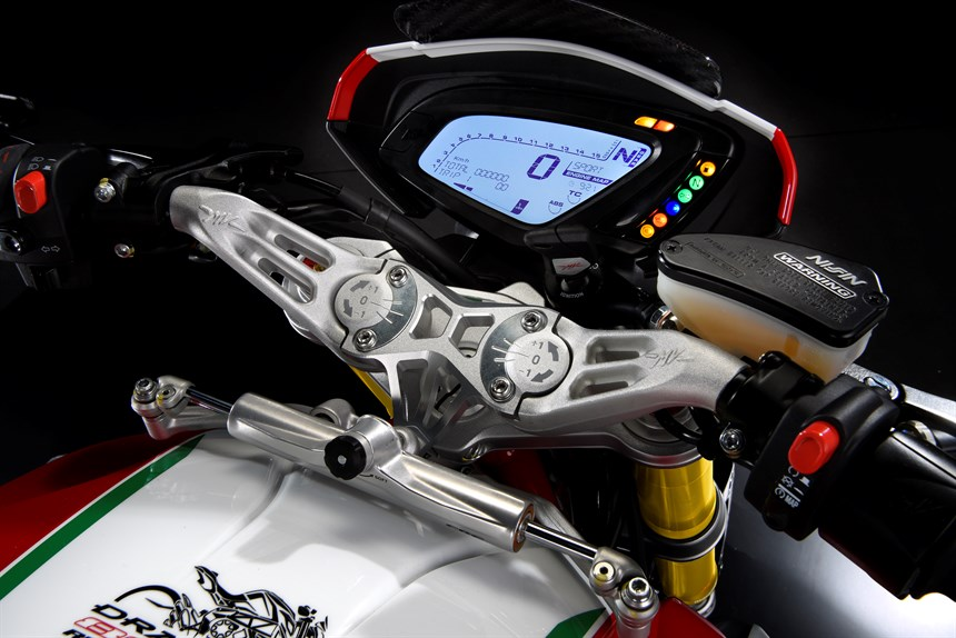 limited-edition-mv-agusta-dragster-800-rc-12