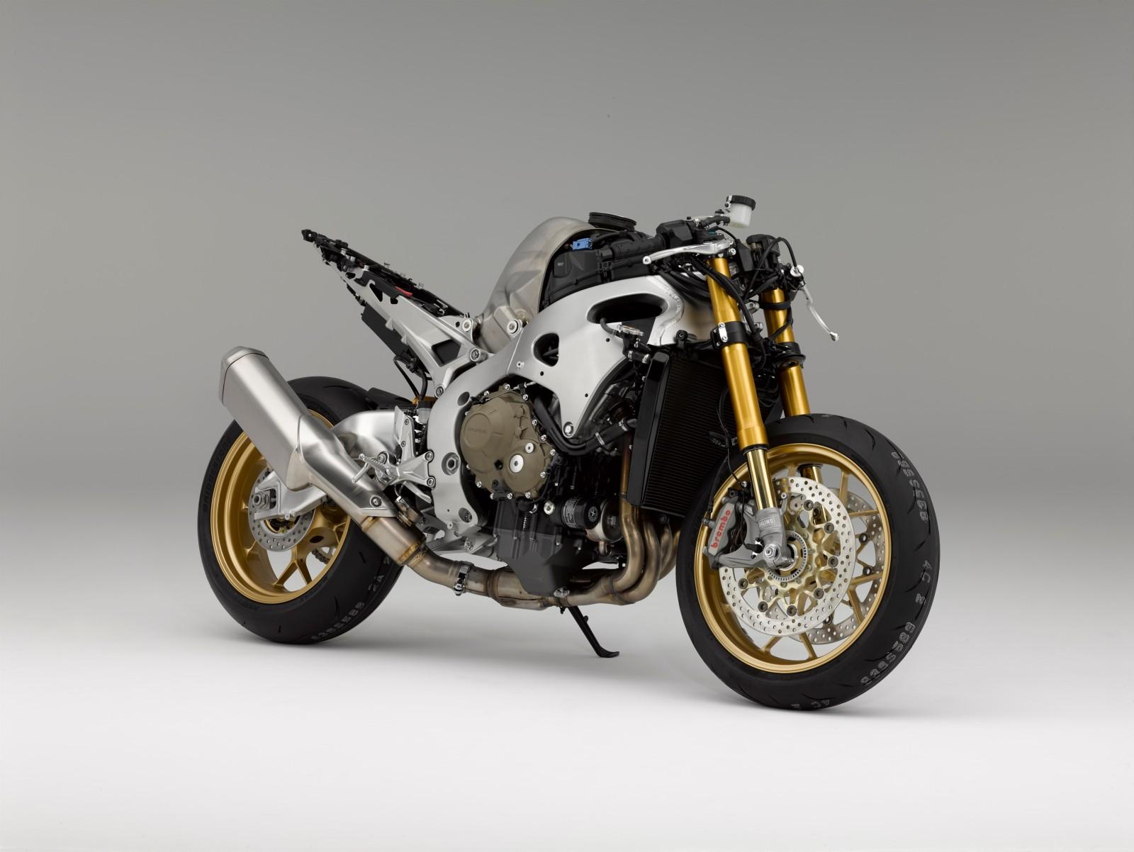 MY17-Honda-CBR1000RR-Fireblade-SP-6