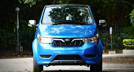mahindra-electric-e2oplus-front-blue-2