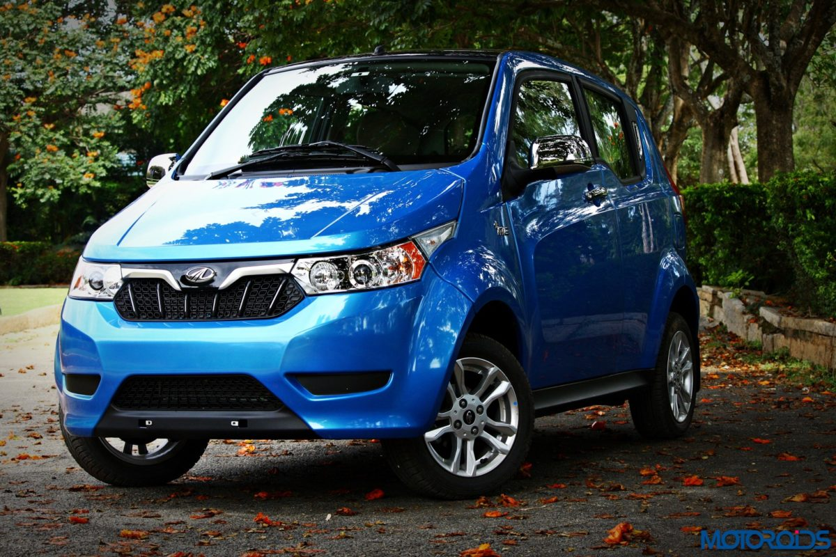 mahindra electric e2oplus front blue 3