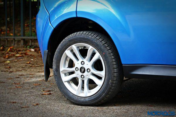 mahindra-e2o-plus-14-inch-rim-continental-tyre