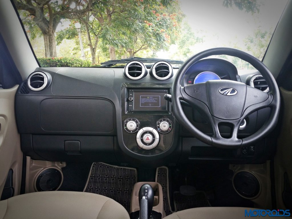 mahindra-e2o-plus-front-dashboard-8