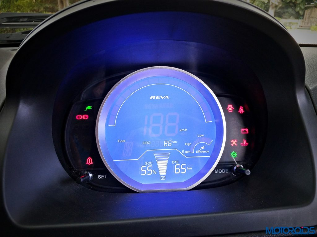 mahindra-e2o-plus-instrument-panel-1