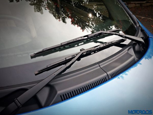 mahindra-e2o-plus-wiper