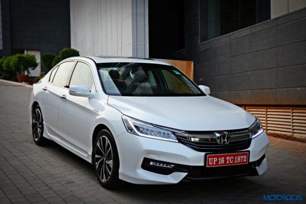 New-2016-Honda-Accord-Hybrid-front-white-2-600x400