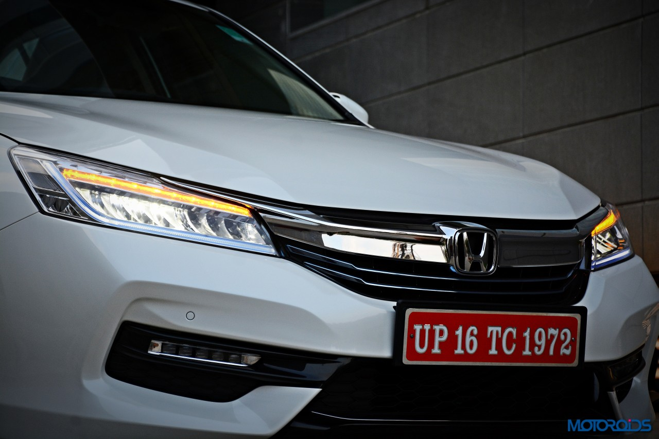 new-2016-honda-accord-hybrid-front-white-4