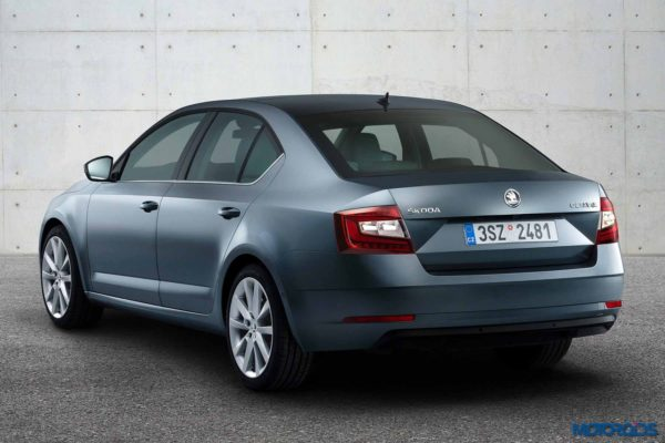new-2017-skoda-octavia-facelift-rear