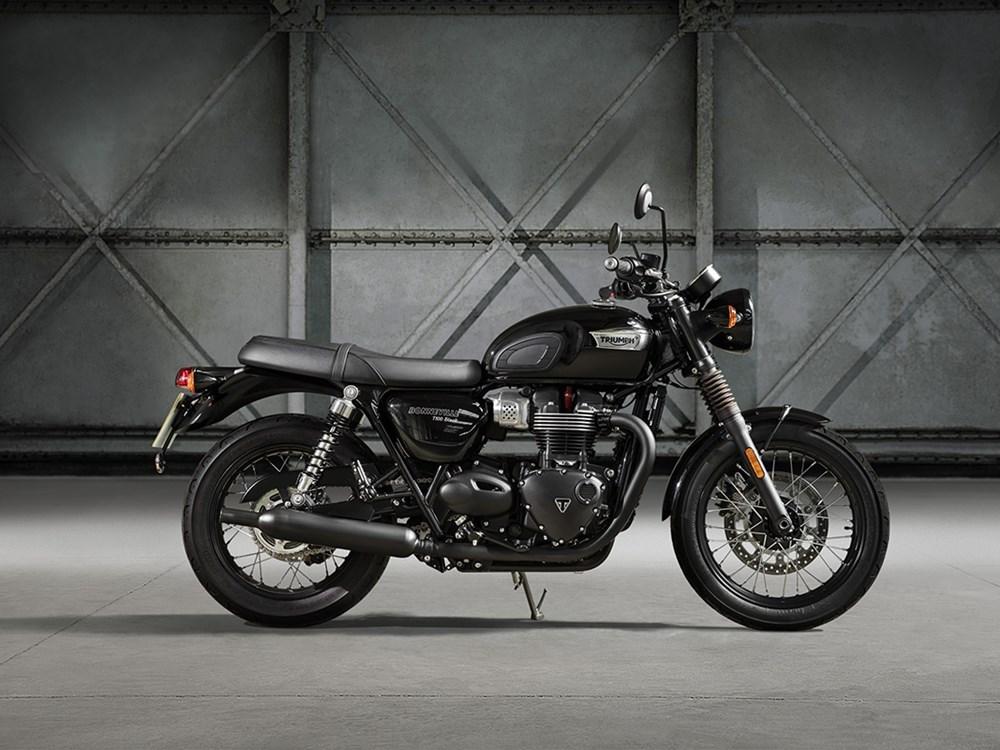 new-2017-triumph-t100-and-t100-black-4