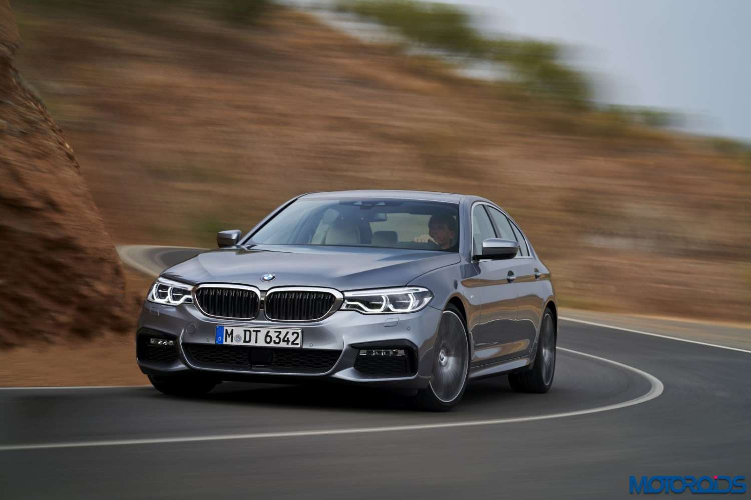 new-bmw-5-series-m-sport-40