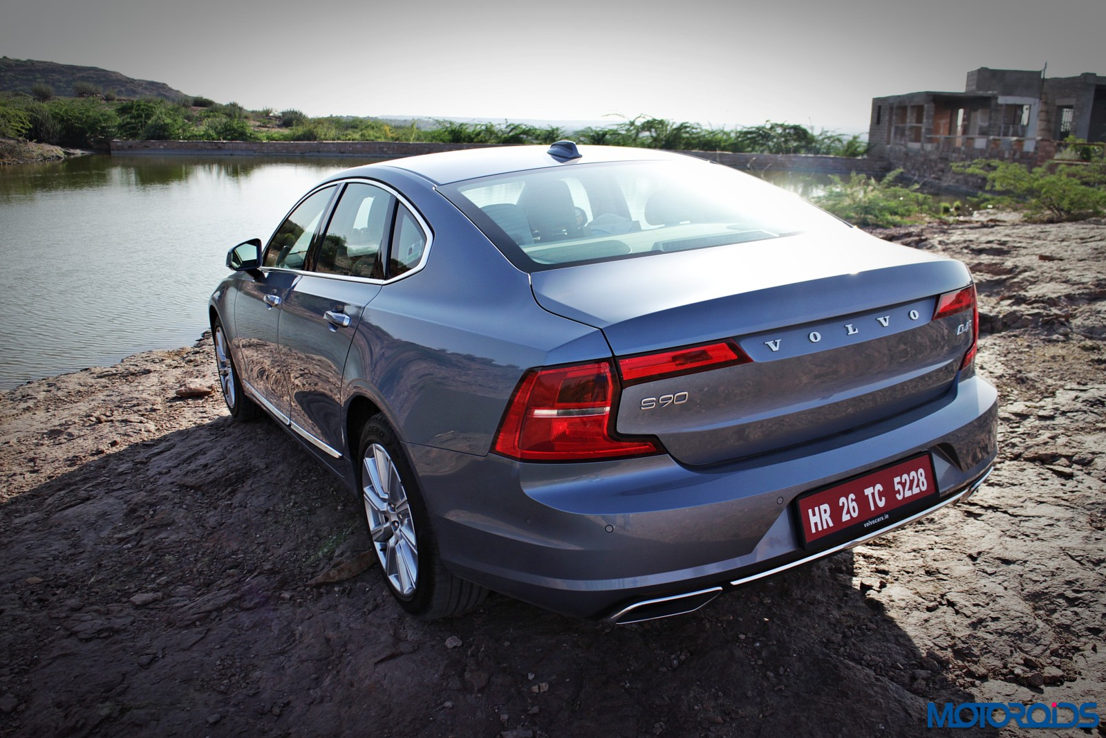 new-volvo-s90-india-review-8