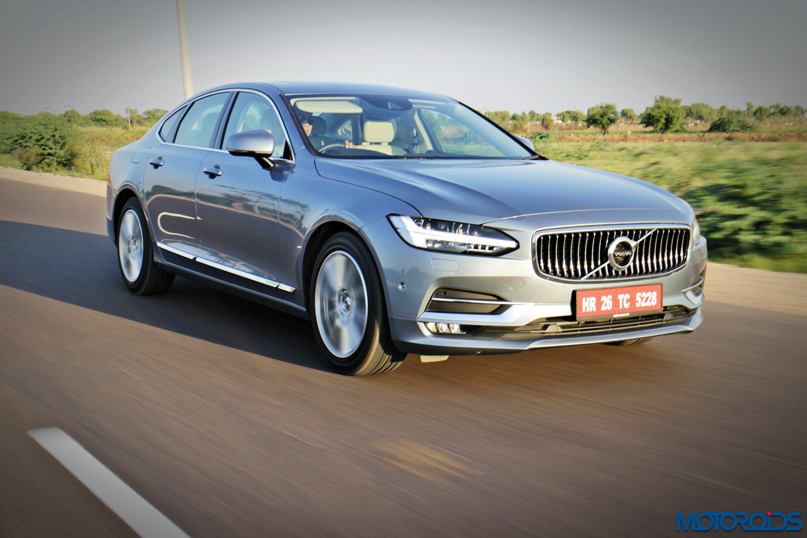 New-Volvo-S90-India-Review-action-front-