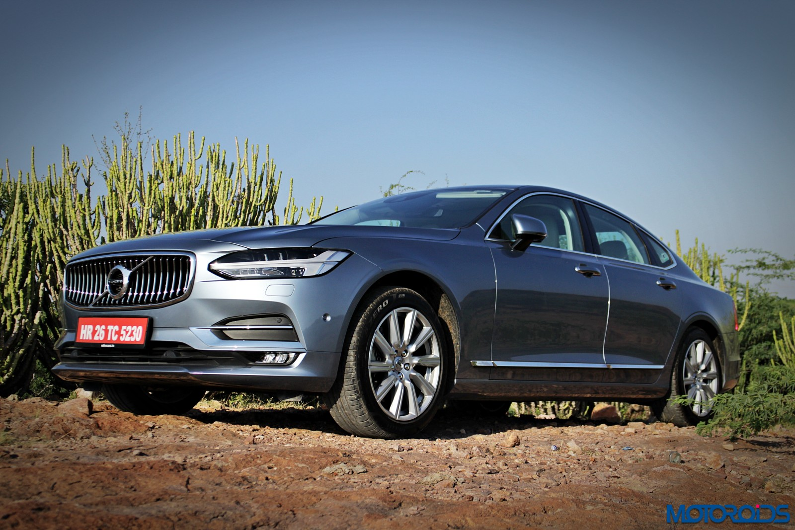new-volvo-s90-front-1
