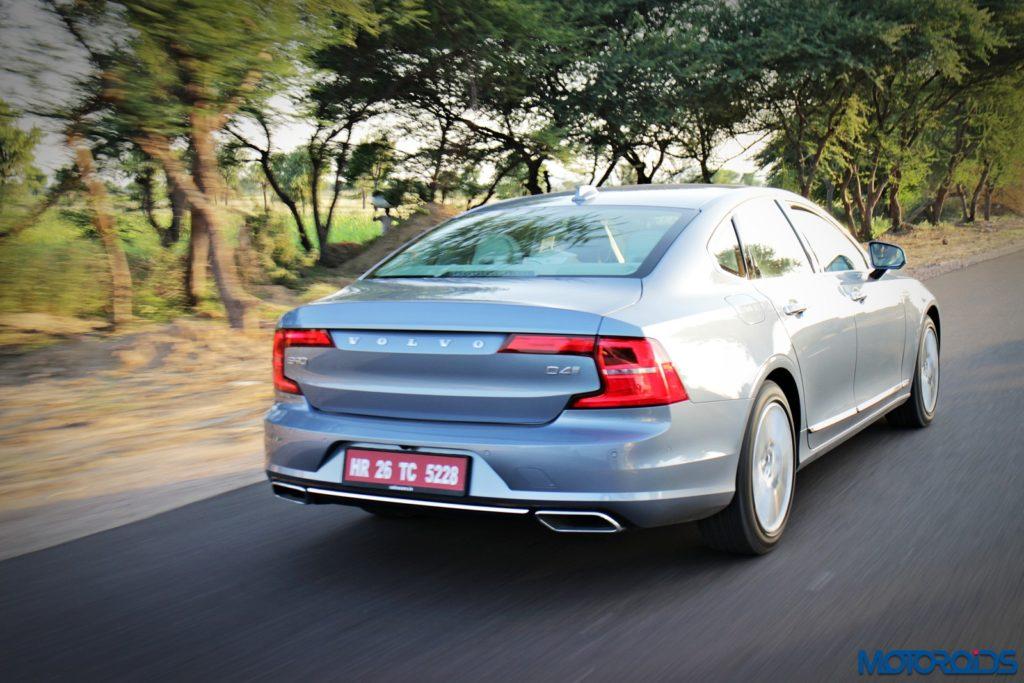new-volvo-s90-rear-1