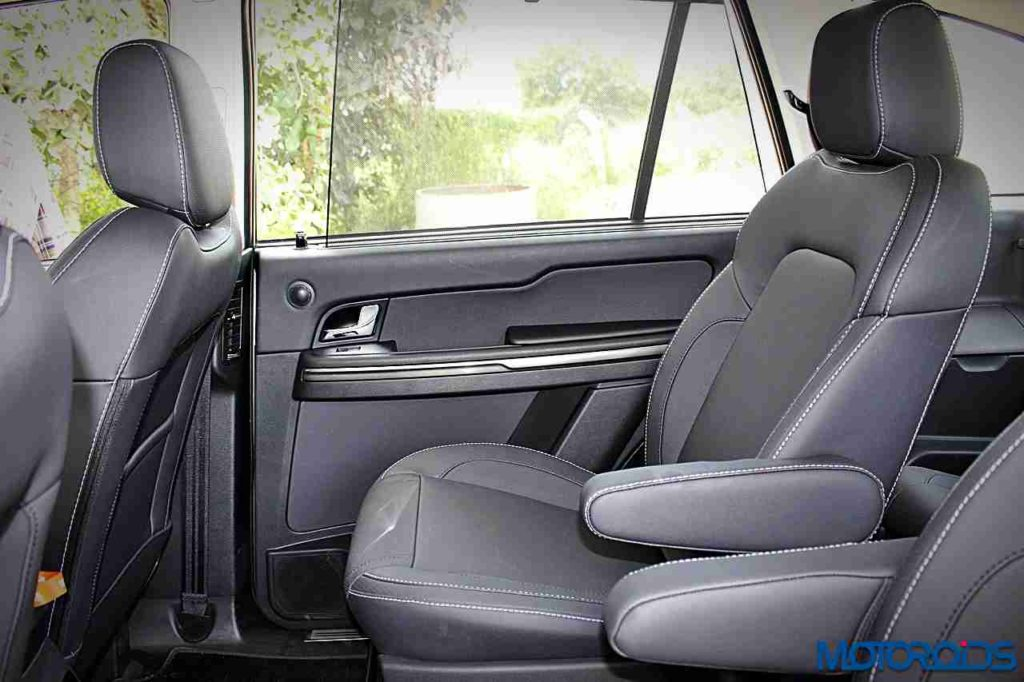 tata-hexa-captain-seats