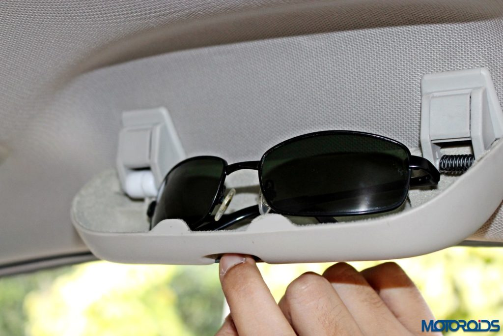 tata-hexa-sunglass-holder