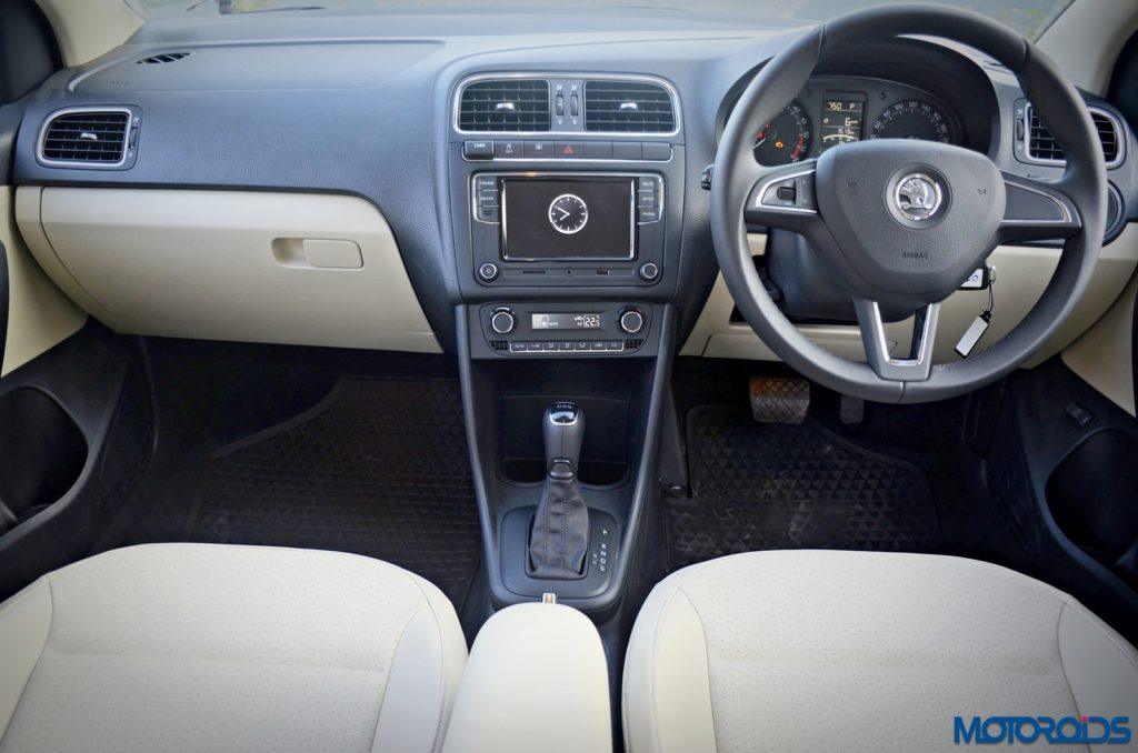 2016-new-skoda-rapid-facelift-dashboard