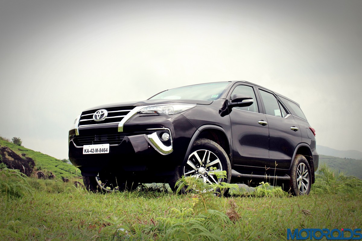 New 2016 Toyota Fortuner India Review Price Specs Mileage Image Gallery Interior And