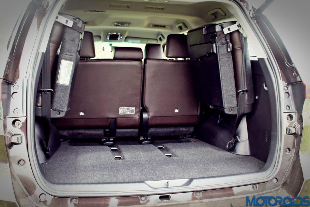 2016-toyota-fortuner-boot-space-4