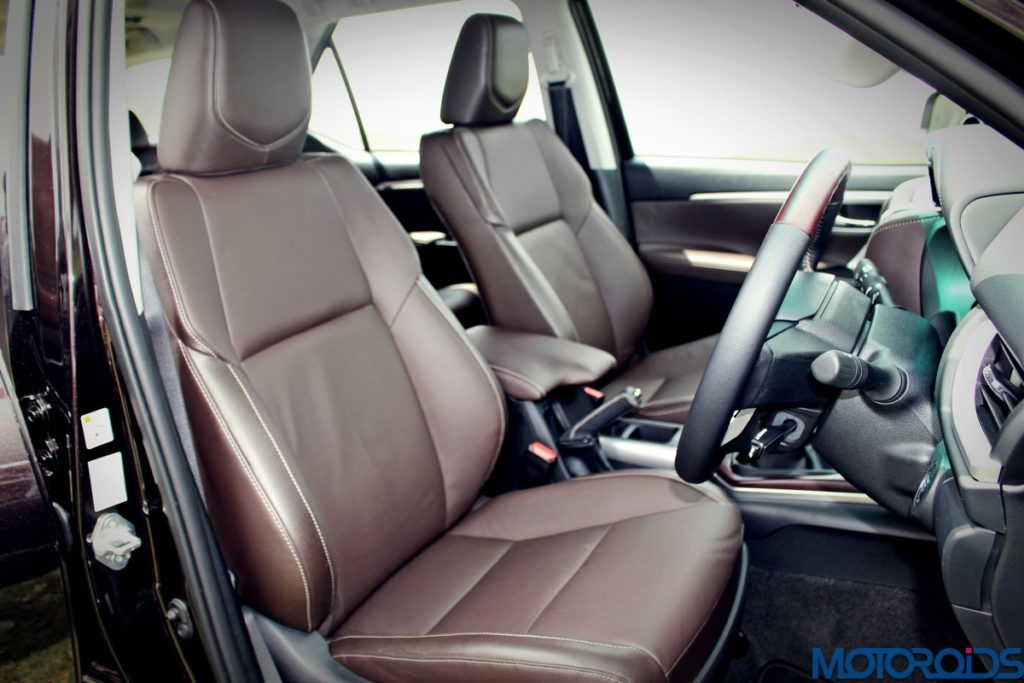 2016-toyota-fortuner-front-seats-1