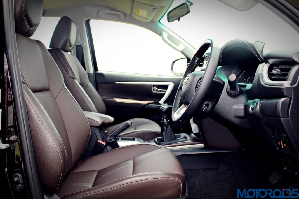 2016-toyota-fortuner-front-seats-2