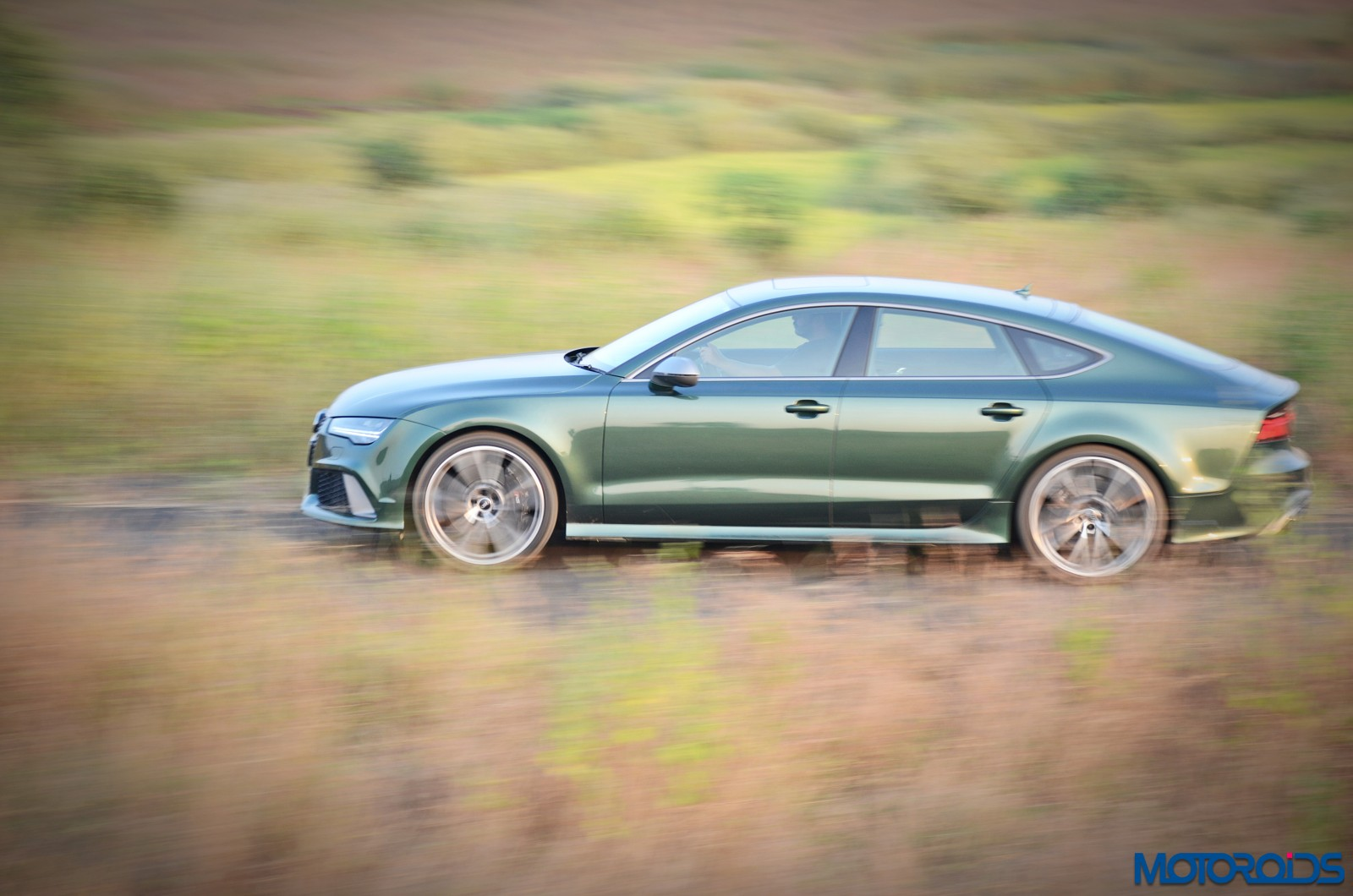 2017-audi-rs7-performance-action-2