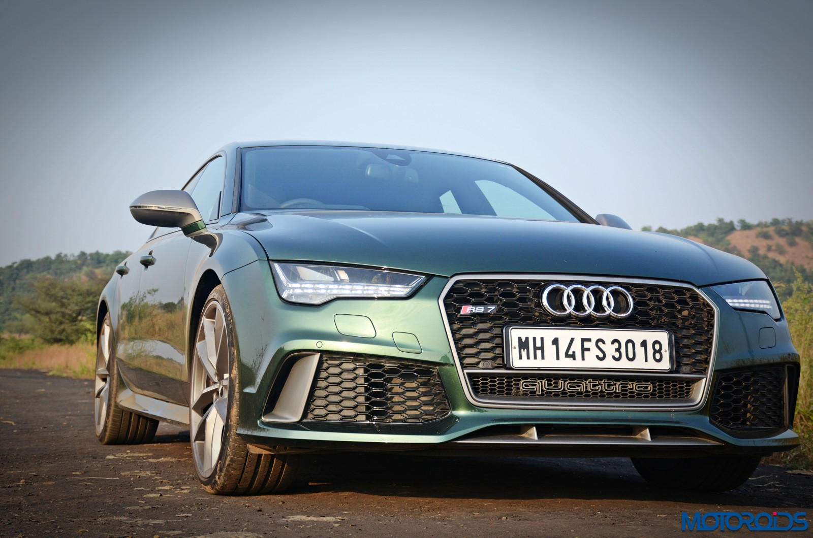 2017-audi-rs7-performance-front-4