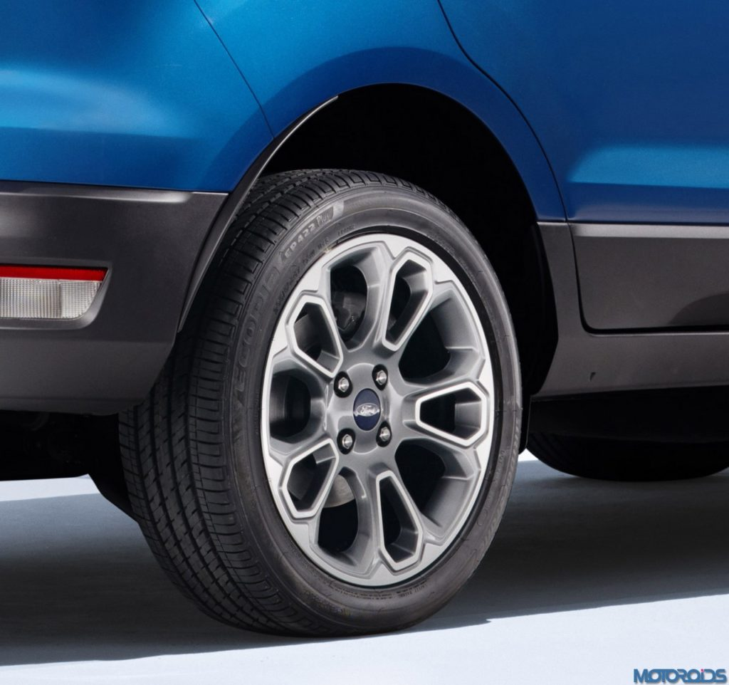 Ford EcoSport packs all of its features and style into a vehicle that is nearly a foot-and-a-half shorter than Ford Escape.