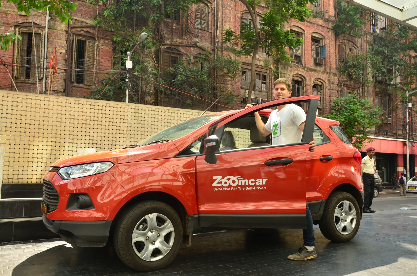 Now Travel In An Audi Q With Zoomcar Motoroids - Audi zoom car