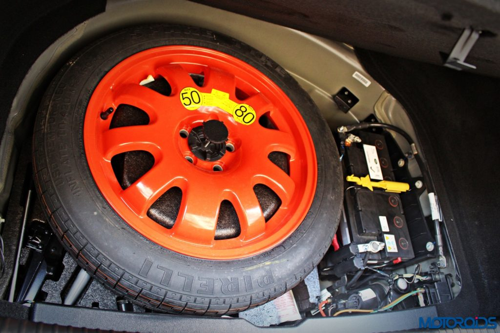 jaguar-xjl-review-sparewheel-and-battery