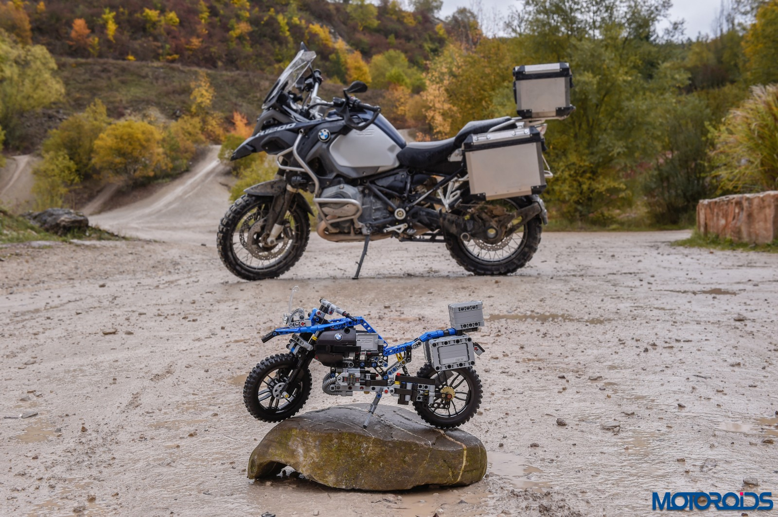 lego-technic-bmw-r-1200-gs-adventure-outdoor-11