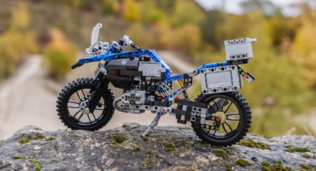 lego-technic-bmw-r-1200-gs-adventure-outdoor-13